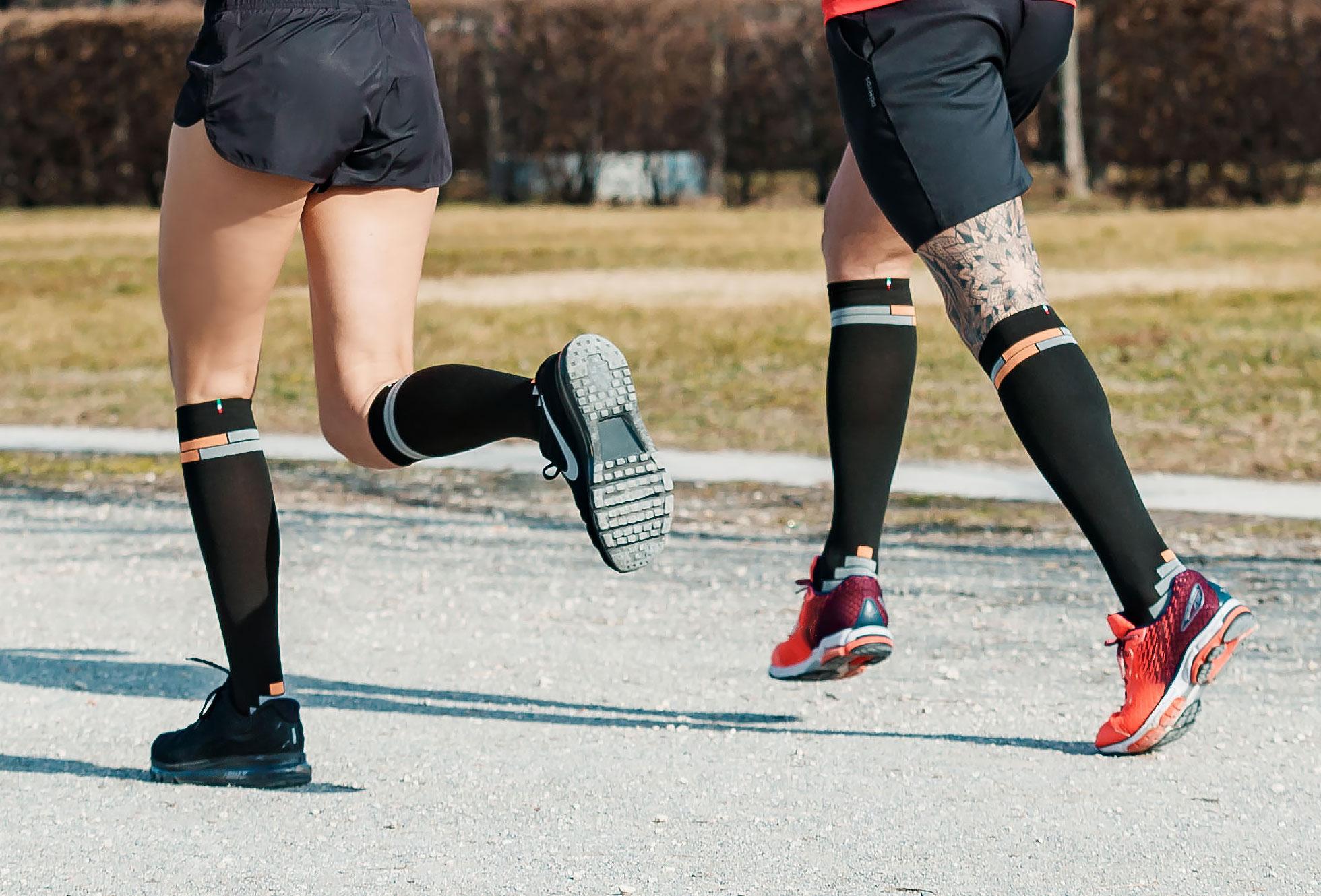 relaxsan-compression-sport-socks-800_BL-ARA-FL