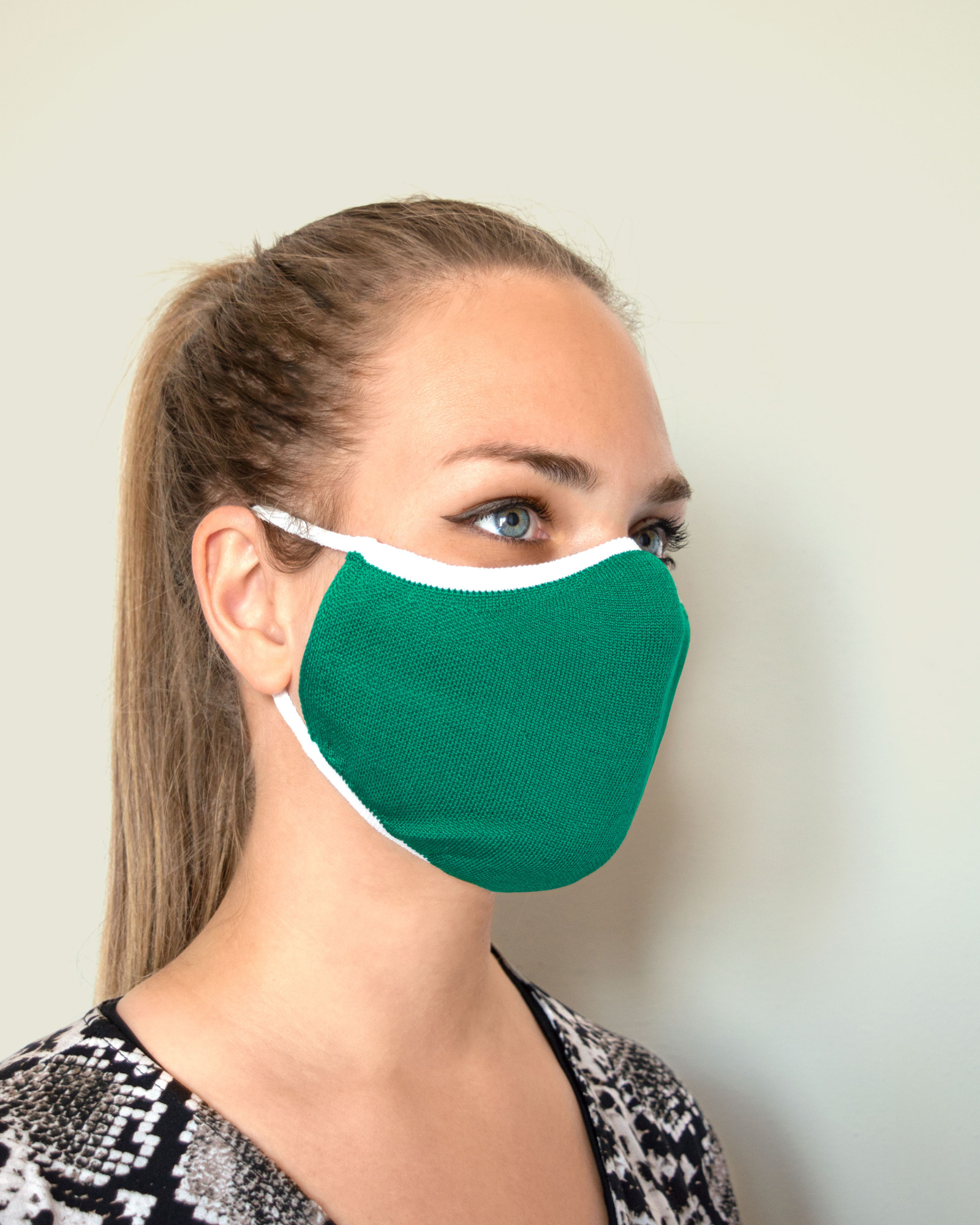 MASK-01S-relaxsan-unima_419-green-white_mask-half